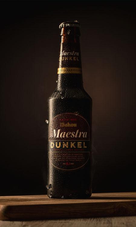 foto producto botella cerveza mahou
